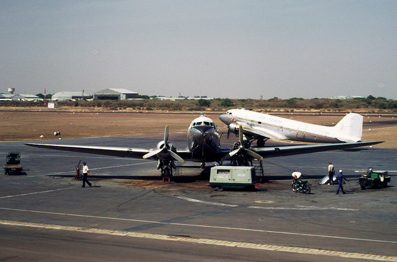 25548 TT-EAA Air Tchad and 9157 TT-EAB Air Tchad at NDjamena Chad January 1974 Christian Hanuise