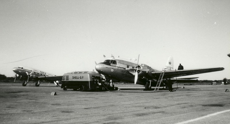 27000_ZS-DIY_Trek_Airways_Douglas_DC-3_Bruce_Williams_800
