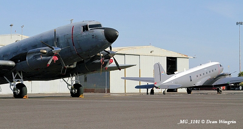 DC-3 C-47 Dakota 80th Anniversary Ysterplaat-01 SAAF 6839 MG 1101
