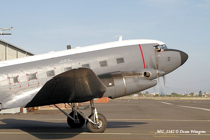 DC-3 C-47 Dakota 80th Anniversary Ysterplaat-12 SAAF 6825 MG 1142